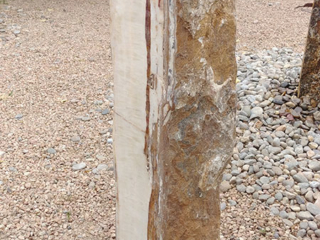 10b. Red/White Onyx, Natural backside