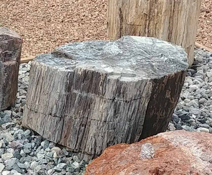 fountain water feature stone onyx rock sculpture fine art santa fe artist commission installation landscaping landscape design New Mexico Texas Arizona Colorado Southwest Shipped waterfall petrified wood